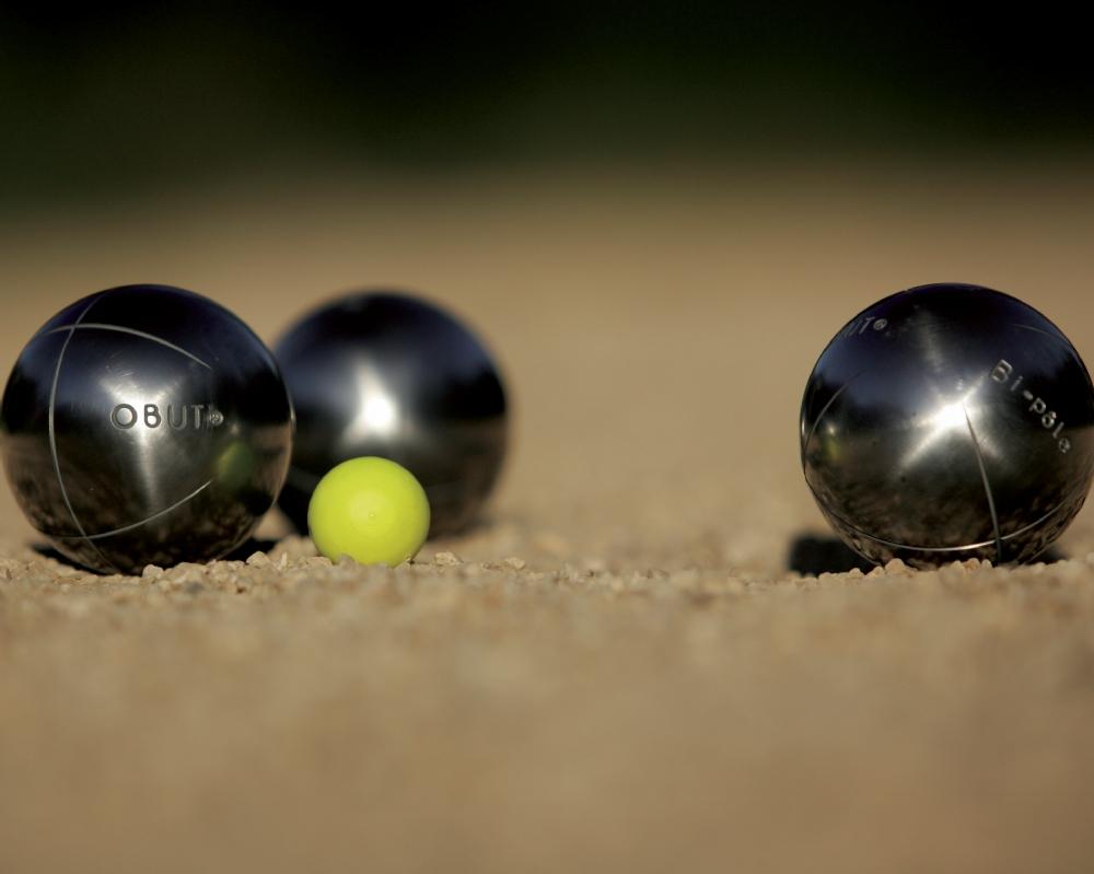P tanque officiel et concours rocles for Nettoyer boule de petanque